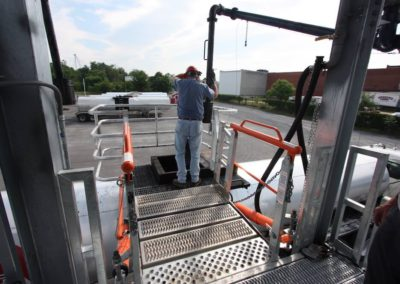 truck-gangway-fall-protection-cage-13