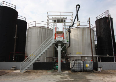 truck-loading-platform-with-safety-cage-18