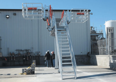 truck-unloading-platform-with-gangway-and-fall-protection-13