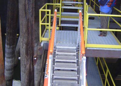 aluminum-loading-dock-walkway-gangway-3